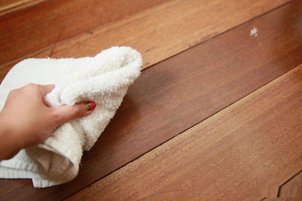 Bảo trì sàn gỗ công nghiệp